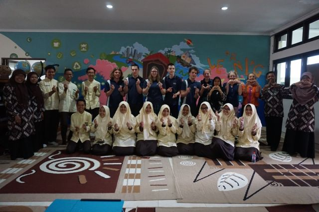MUHI MENYAMBUT BAIK TAMU DARI AUSTRALIA: KUNJUNGAN OBERON HIGH SCHOOL VICTORIA KE SMA MUHI YOGYAKARTA